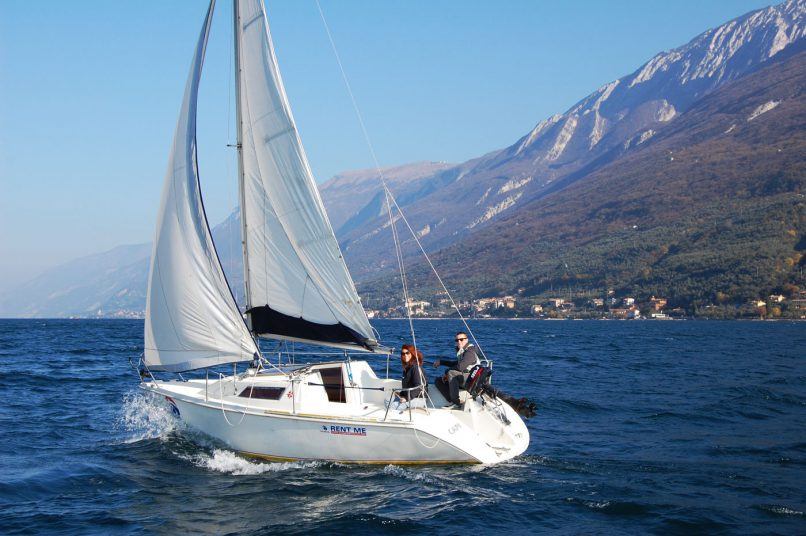 Jeanneau Sun Way 21 rent sailing boat