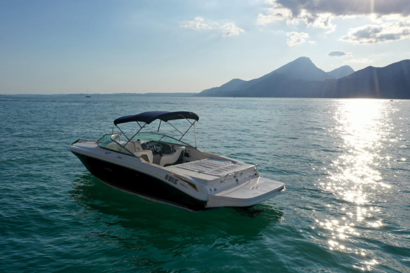 Rent Boat Sea Ray 240 SSE Lake Garda