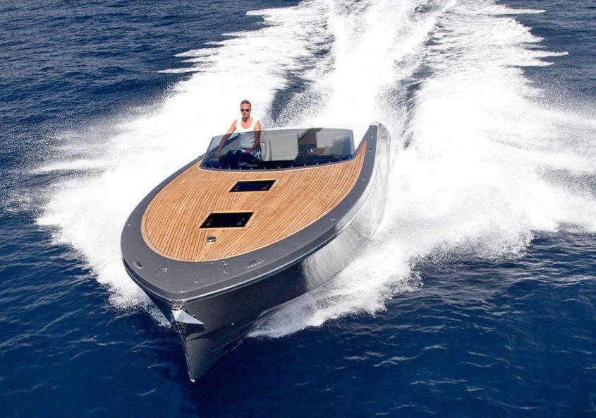 Frauscher 1017 GT Rent Luxury Boat Garda Lake